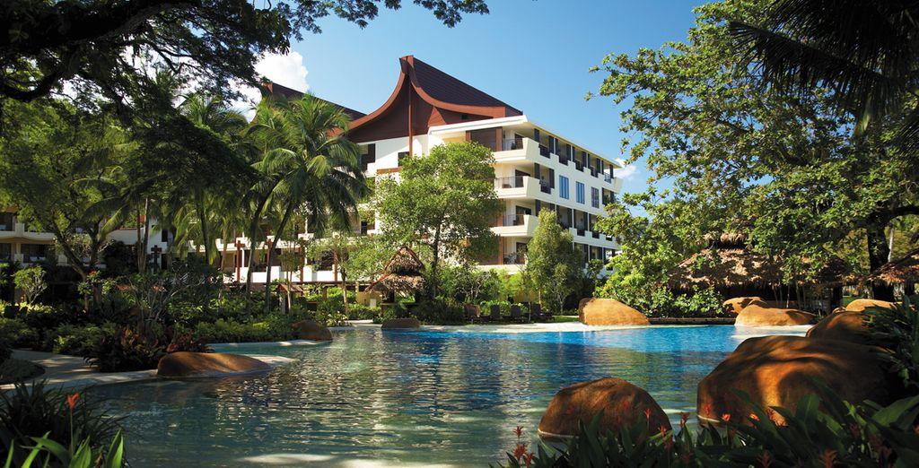 Shangri-La Kuala Lumpur & Shangri-La's Rasa Sayang 5* - Resort with private beach in Kuala Lumpur