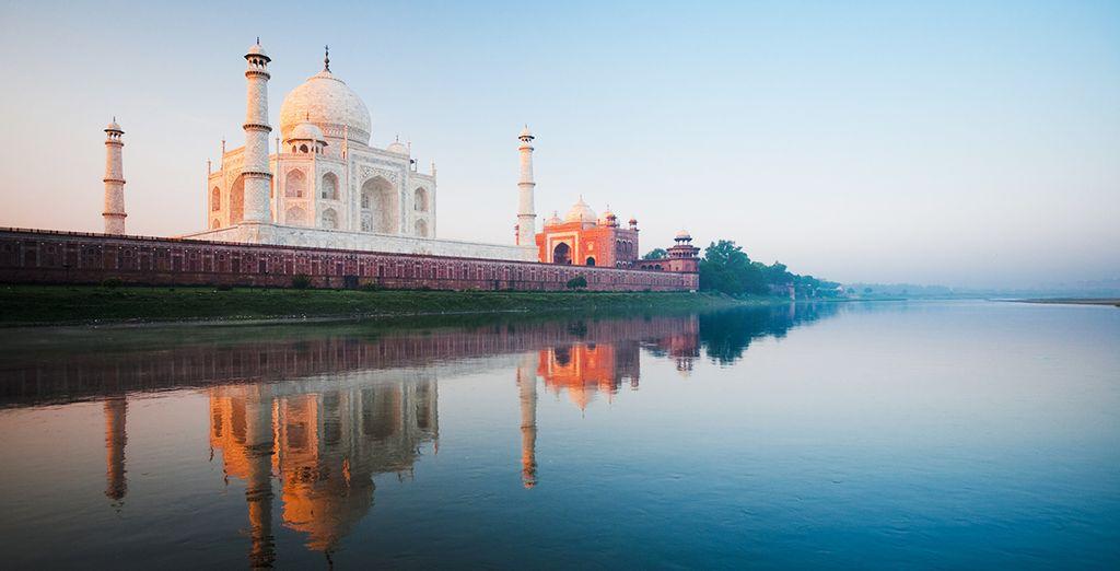 visit Taj Mahal, Agra, India