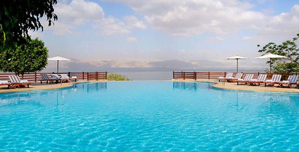 Jordan Valley Marriott Infinity Pool