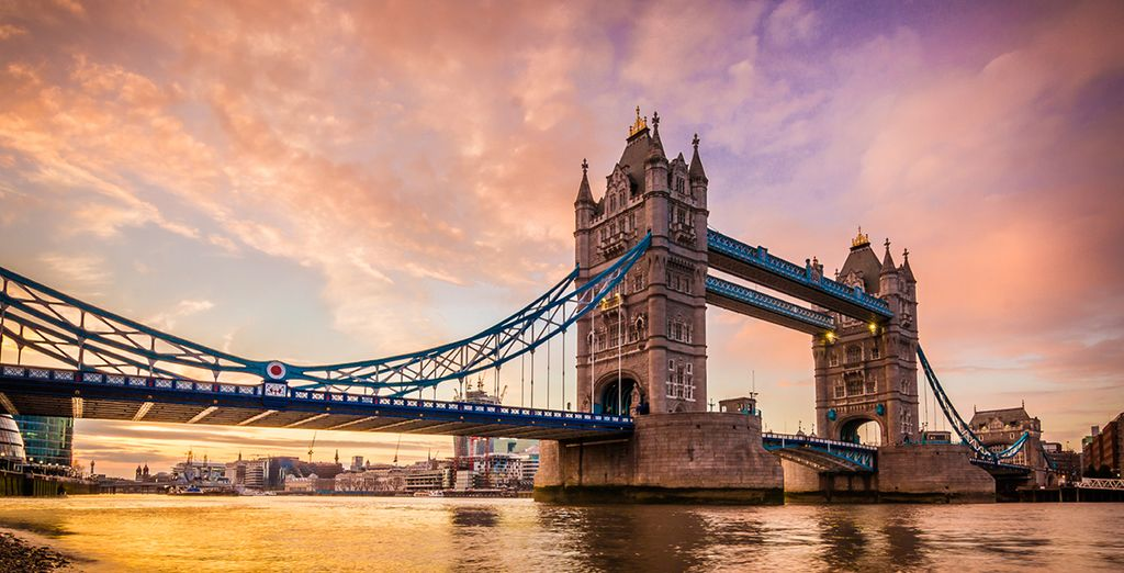 enjoy a river thames cruise from westminster to tower bridge