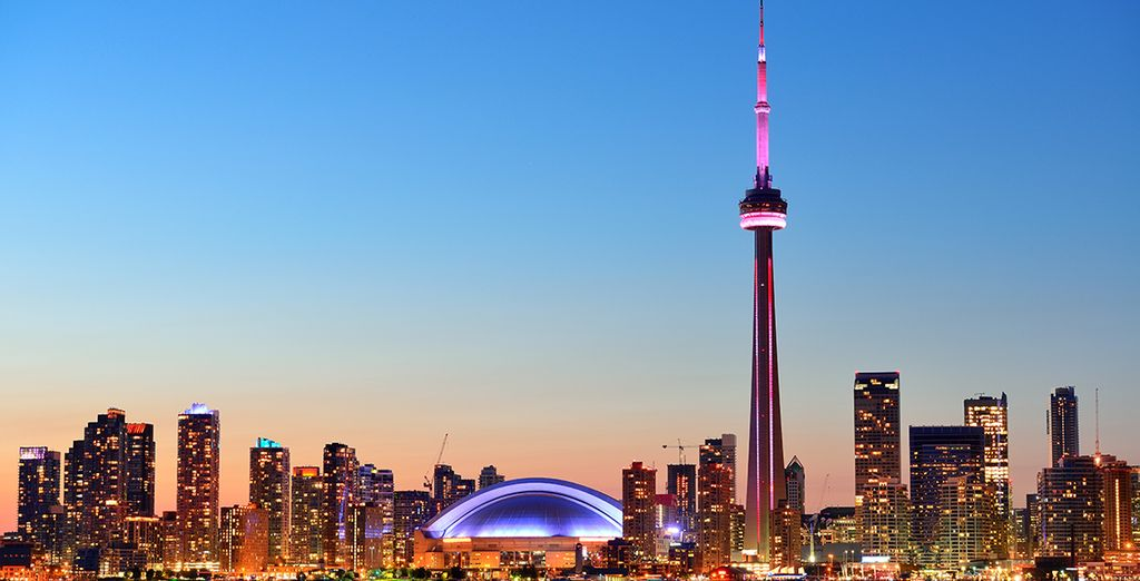 Plan your holidays to Toronto, Canada with Voyage Privé