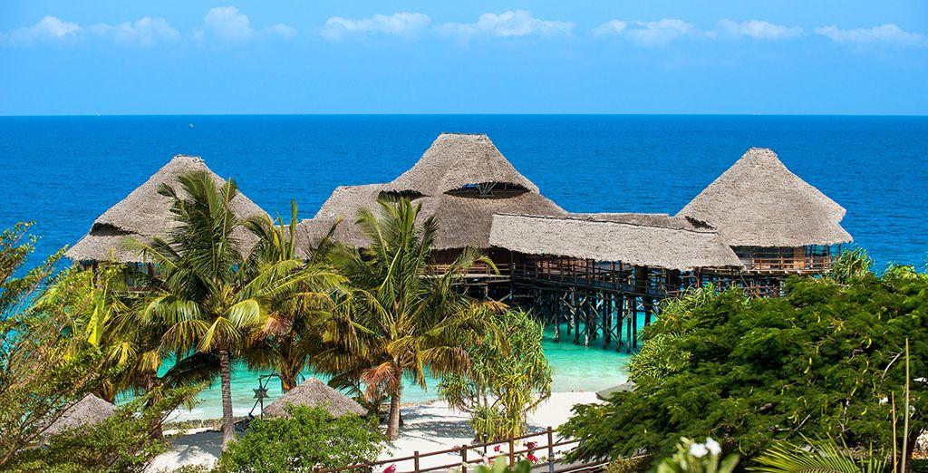 Surround yourself with tropical pleasures - Diamonds La Gemma Dell'Est 5* Zanzibar