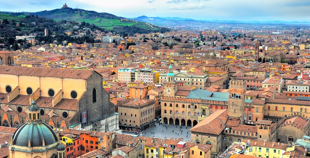 Discover Bologna — a lively city of classic beauty