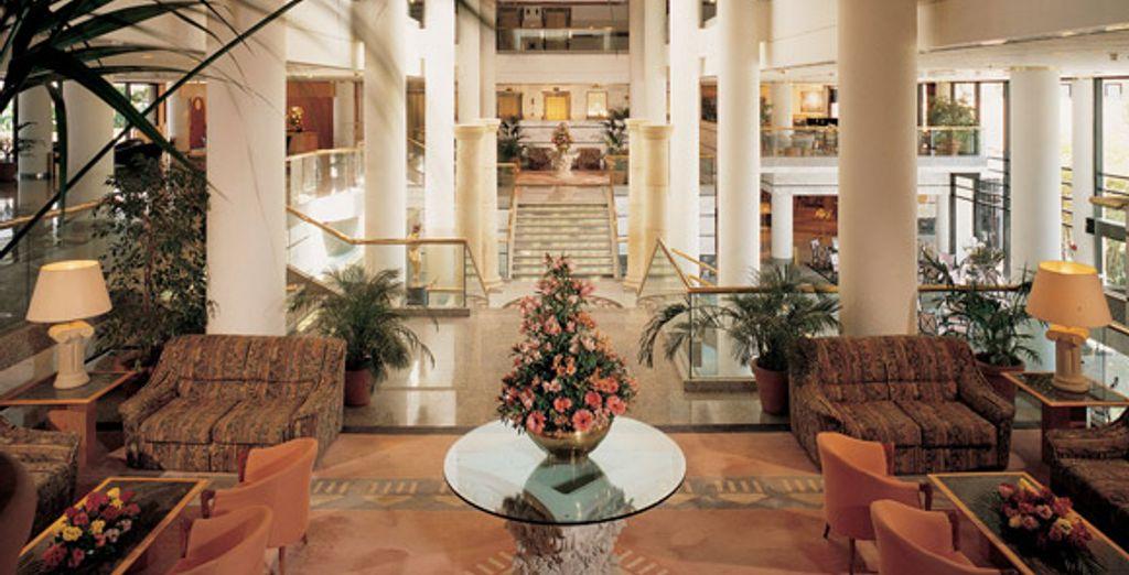 - Amathus Beach Hotel Paphos***** - Paphos - Cyprus Paphos