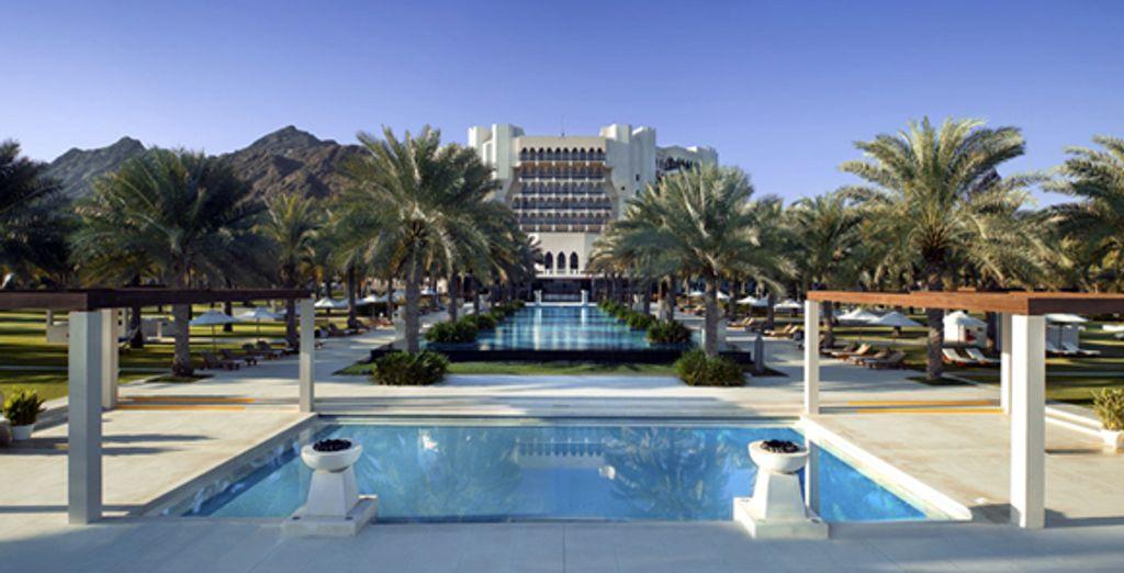 - Ritz Carlton Al Bustan Palace***** - Quron Beach - Oman Quron Beach, Oman