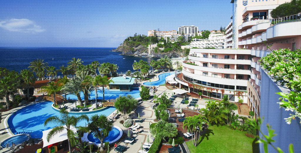 Superb scenery at the Royal Savoy - Royal Savoy 5* Madeira
