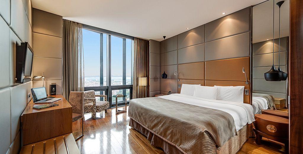 a spacious Skyline Room, on the 16th floor or higher!