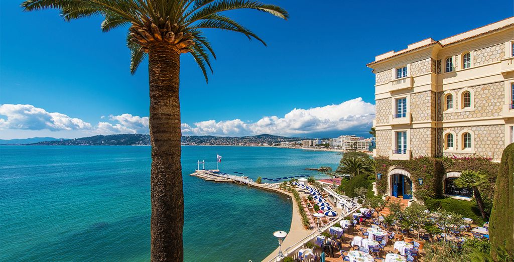 Right on the waterfront of the French Riviera - Hotel Belles Rives 5* Juan les Pins