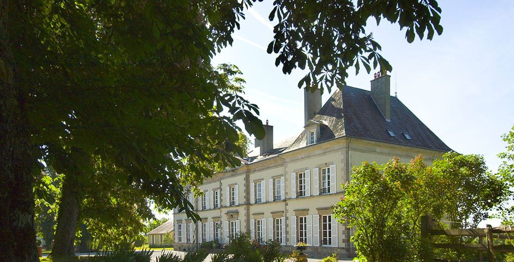Stay at this beautiful 18th century Chateau - Chateau d'Ygrande 4* Ygrande
