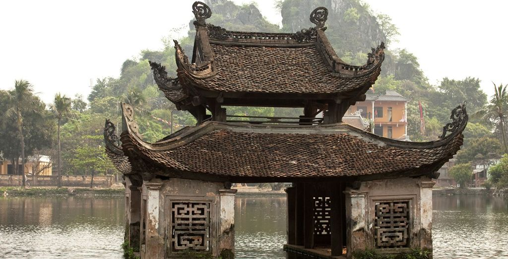 Discover Hanoi's ancient temples