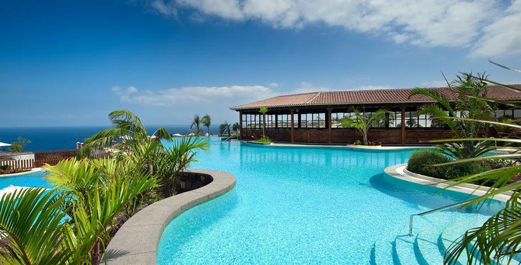 Where unbeatable seafront scenery meets luxury
