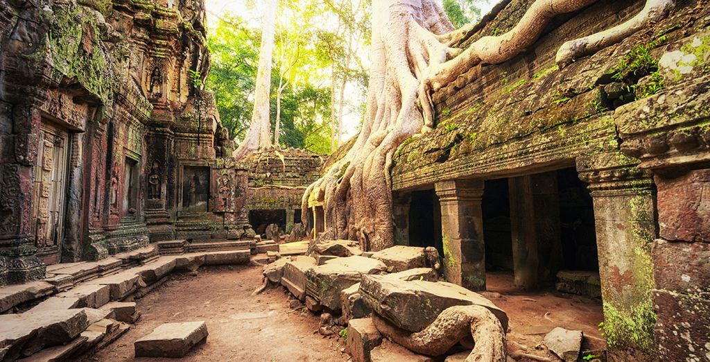 Arrive in Cambodia! Marvel at the ancient Angkor Wat temples