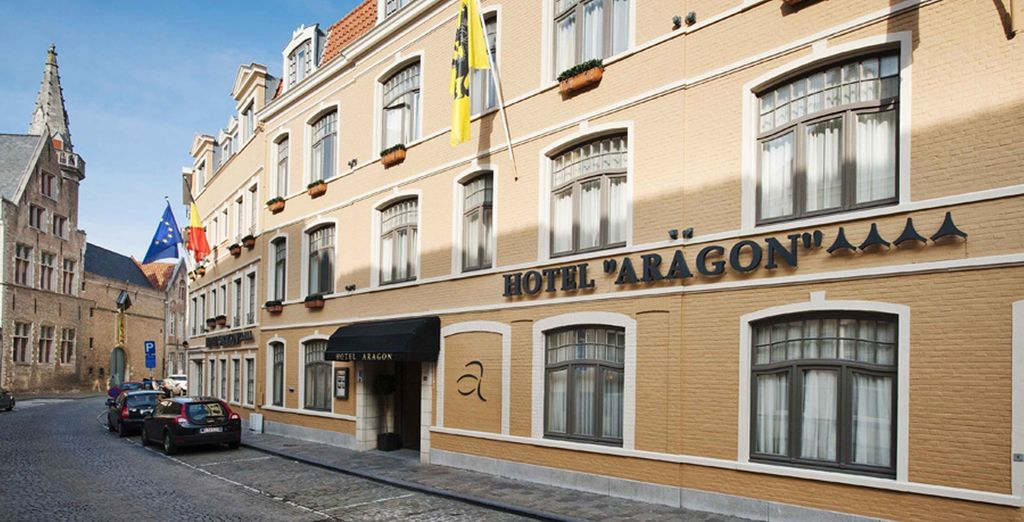Stay at the Hotel Aragon