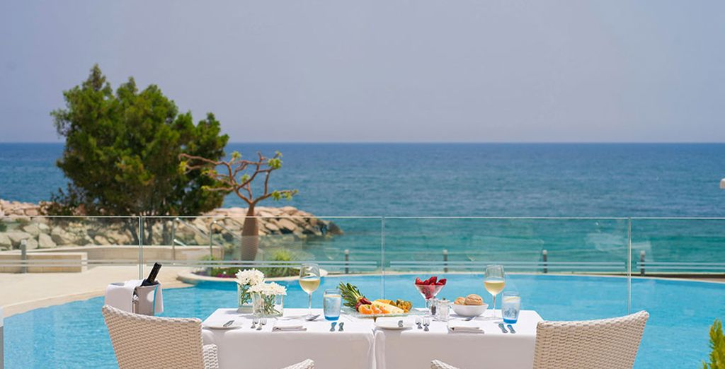 Welcome to the 5* Royal Apollonia
