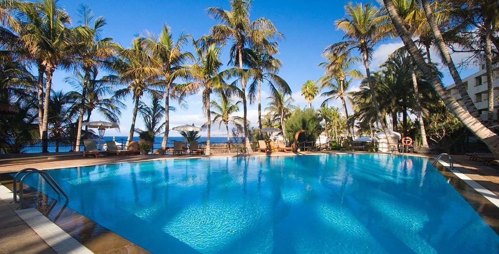 Enjoy the fantastic location of Los Fariones Hotel