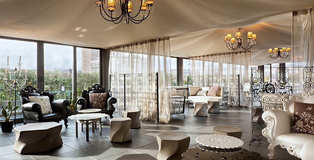The UNA Palace Hotel is stylish and well located for your city break