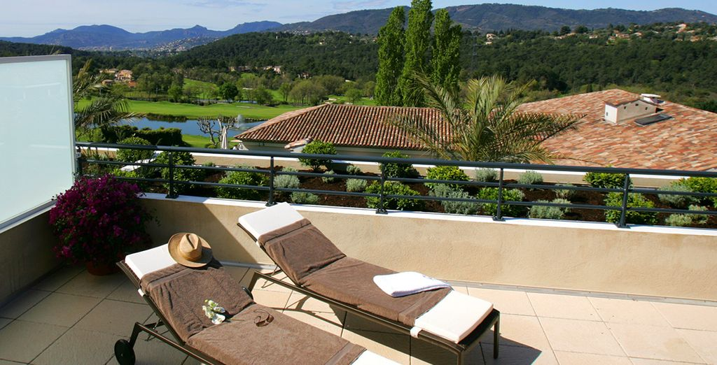 And boasts fantastic vistas of the resort & surrounding countryside