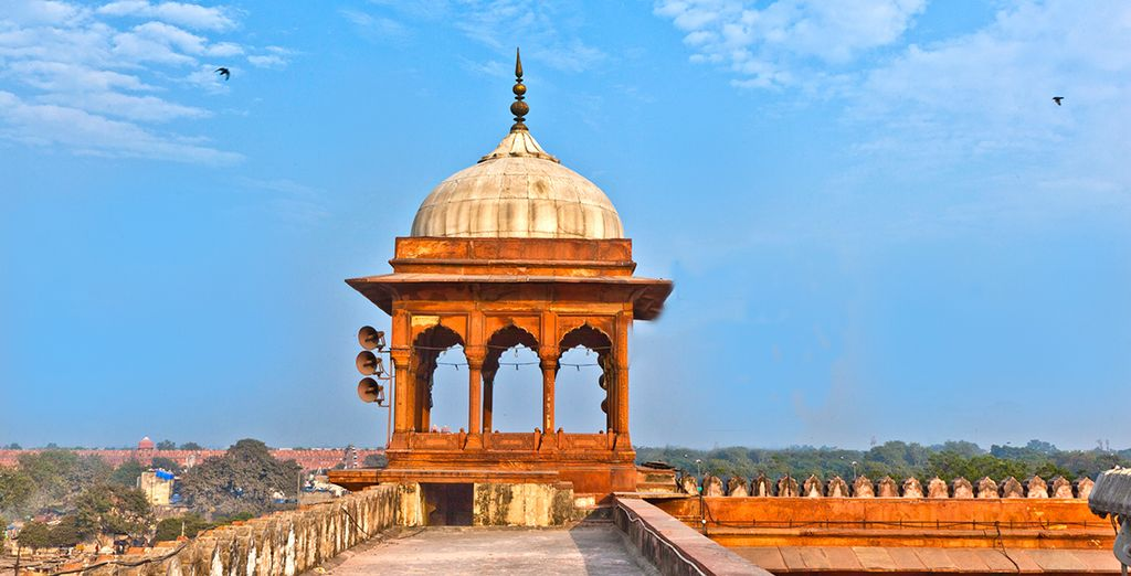 You will visit 3 iconic cities of Delhi...