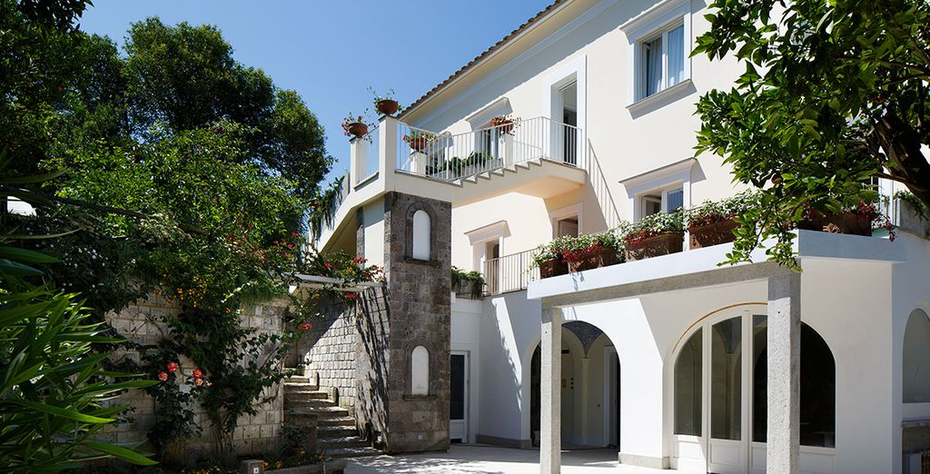 Live the Italian dream at this charming villa dating from the 1700's