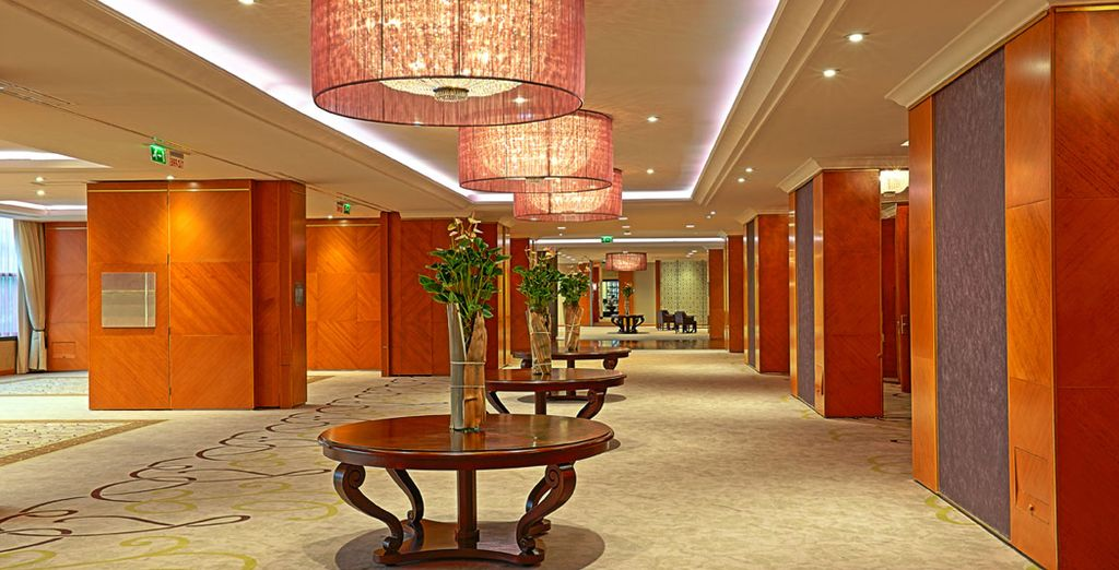 Welcome to the 5* InterContinental Budapest