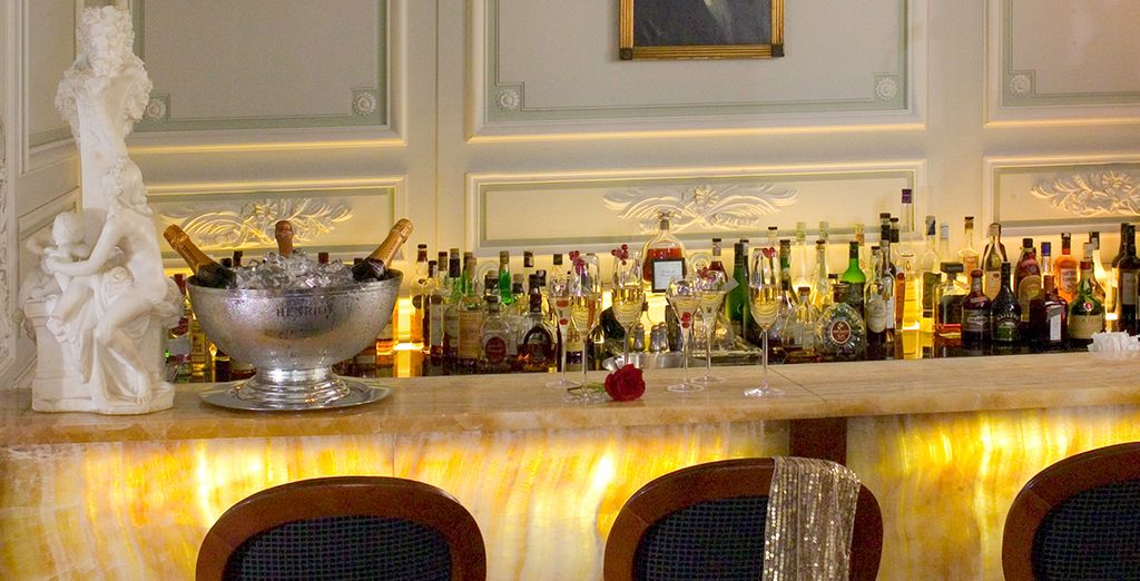 Enjoy a welcome drink on arrival