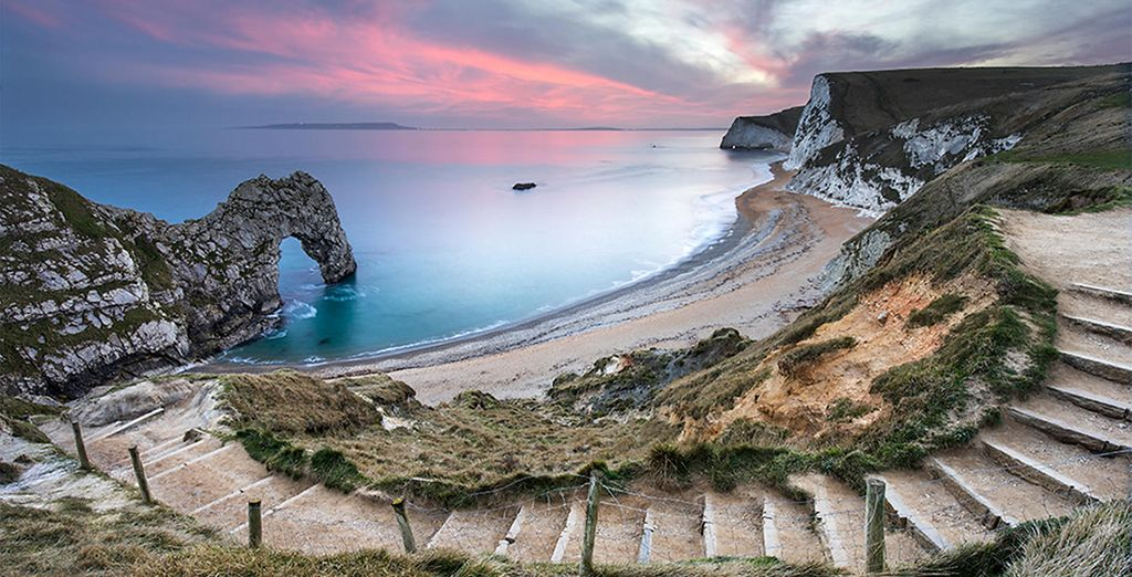 And iconic Durdle Door is 20 minutes drive