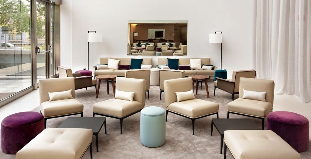 Stay in the 4* Hilton Barcelona
