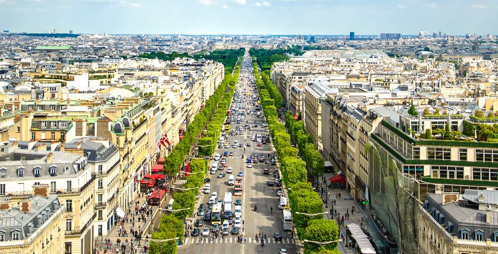 Its just a 7 minute walk from the famous Champs Elysees