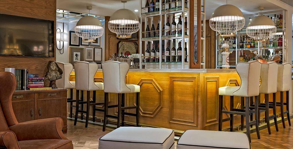 Visit the library bar where you can relax after a day of sightseeing