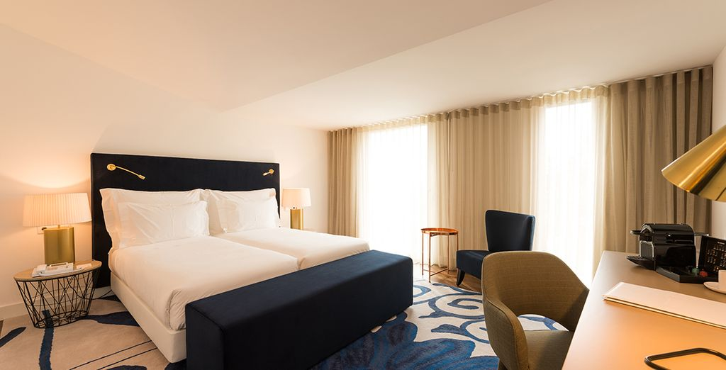 Stay in an excellent Club Room