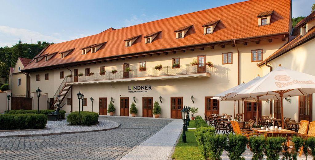 And stay at the superbly located Lindner Castle Hotel