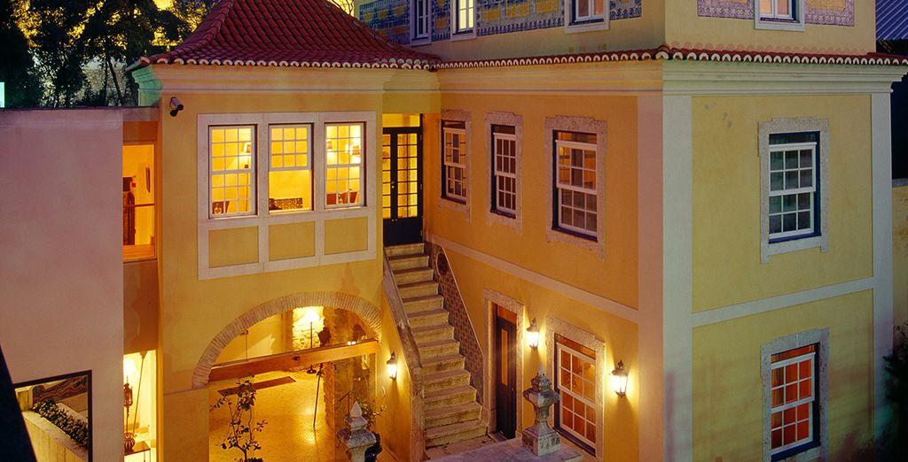 A romantic boutique hotel - Solar Do Castelo 4* Lisbon