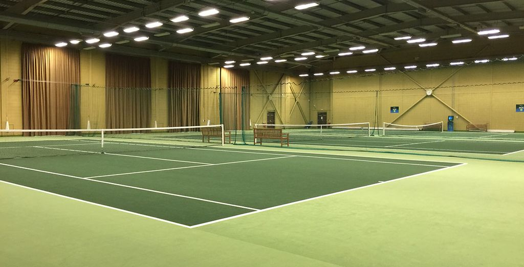 Enjoy free use of the extensive tennis facilities which you can use at your leisure