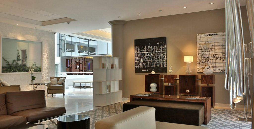 A stylish 5* hotel in nearby Juan les Pins