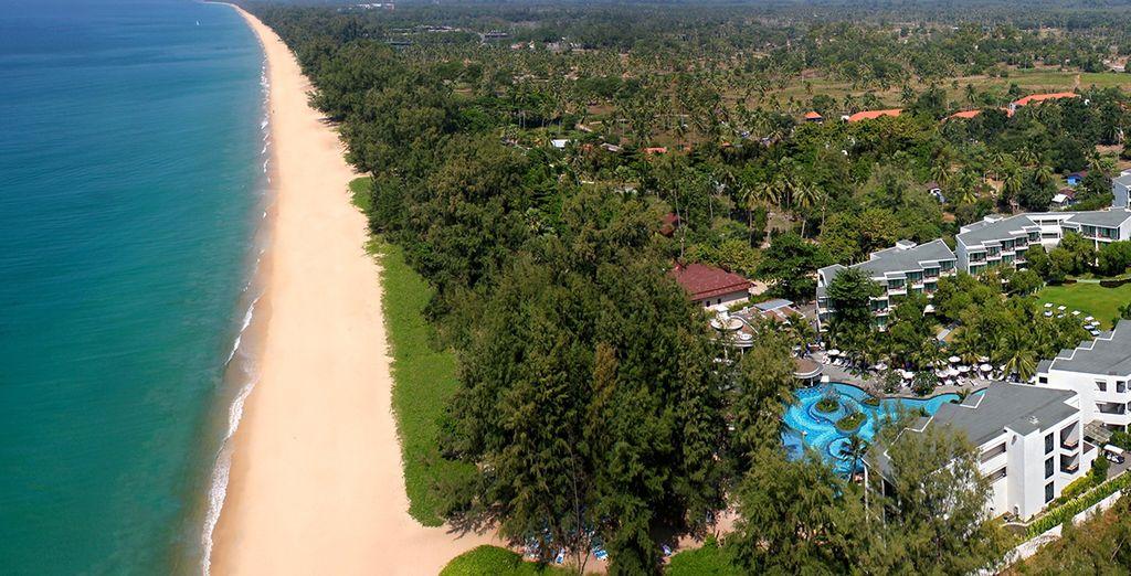 Before heading to the Holiday Inn Phuket