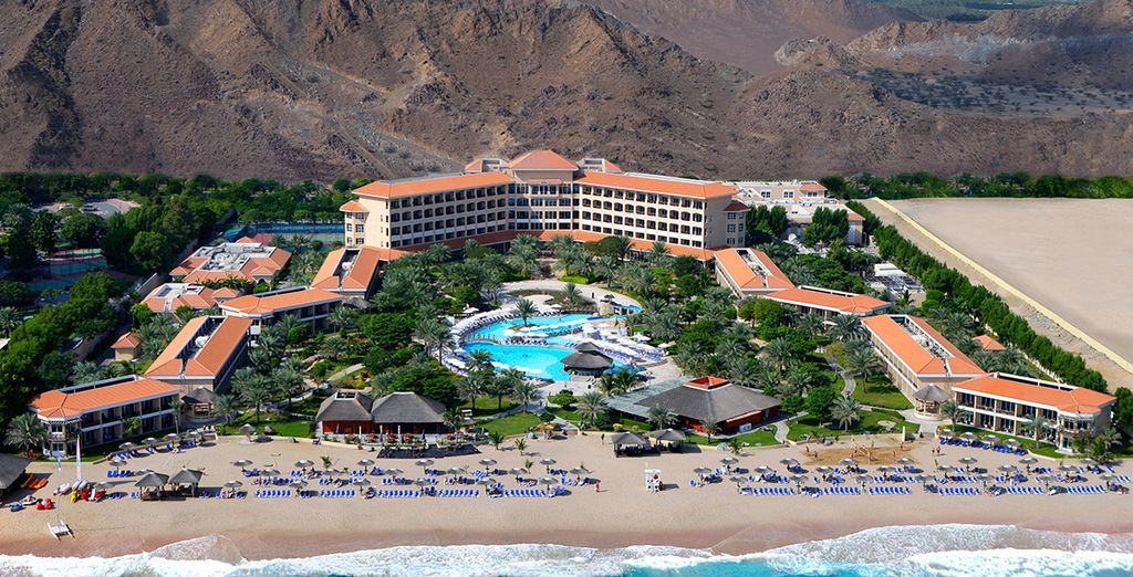 Nestled between the Hajar Mountains and the Indian Ocean