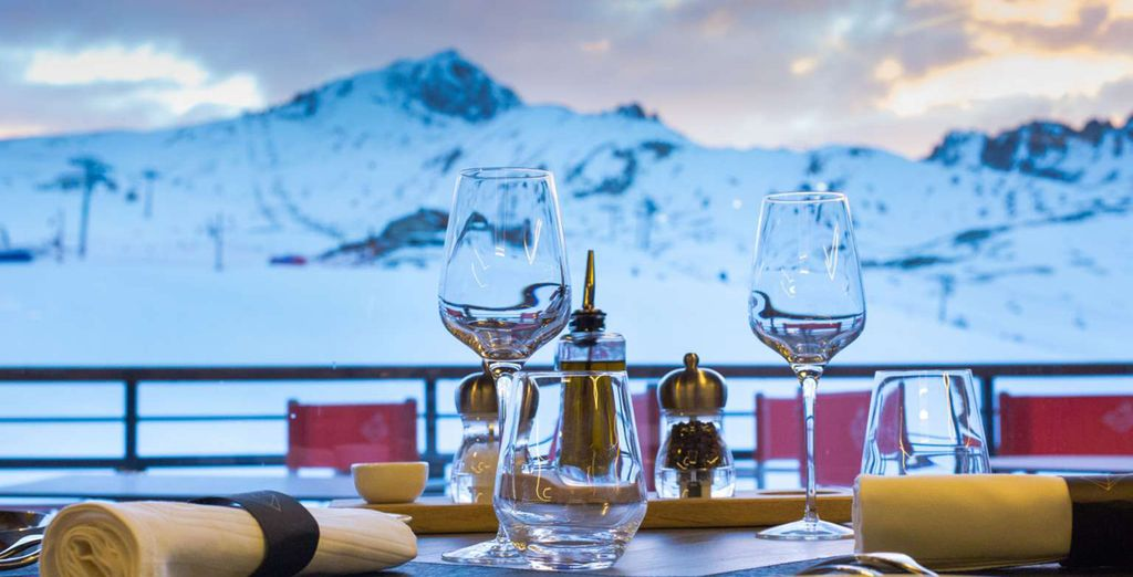 Enjoy dinner with a view!