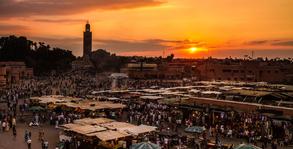 And explore the intoxicating souks as the sun sets