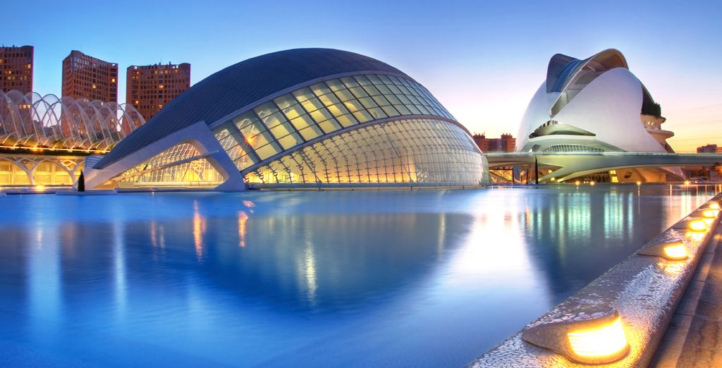 Escape to Valencia, and discover the stunning design of the City of Arts and Sciences - Hotel Hospes Palau de la Mar 5* Valencia