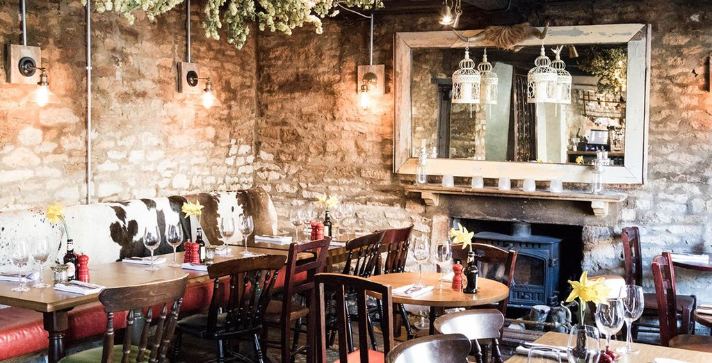 Famed for its fantastic dining - Woodstock Arms 4* Oxford
