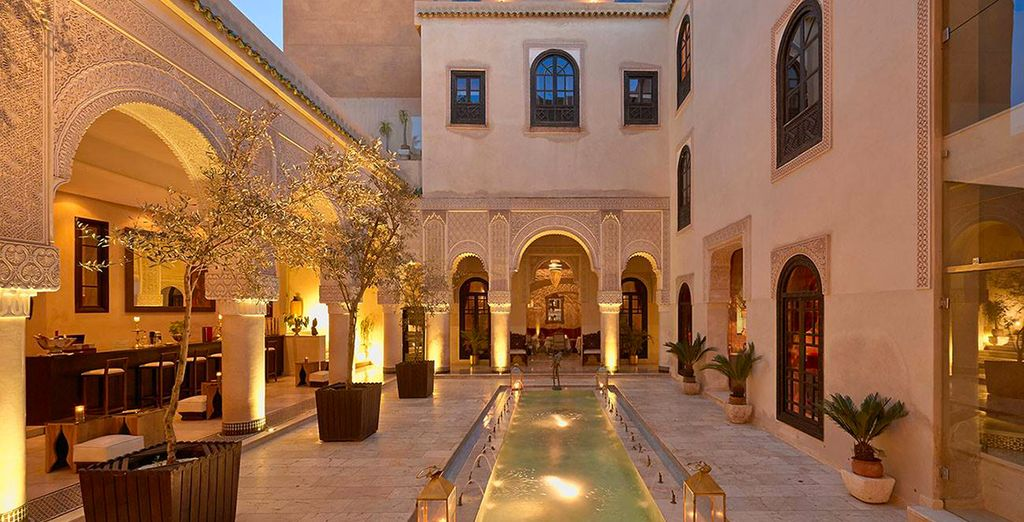 And an elegant courtyard - this is truly a place of royalty
