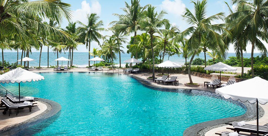 With amazing views of the Indian Ocean
