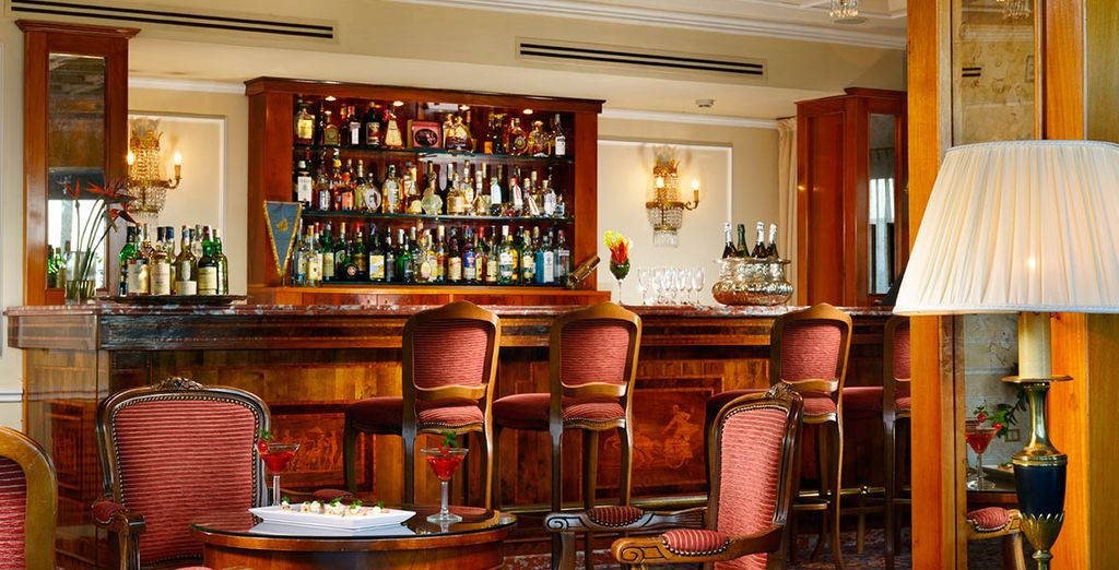 Enjoy a pre-dinner drink in the bar