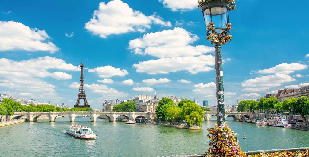 Discover the joy of Paris!