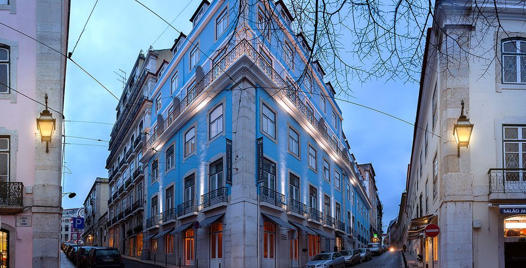 And stay in the boutique Lisbon Carmo Hotel 4*