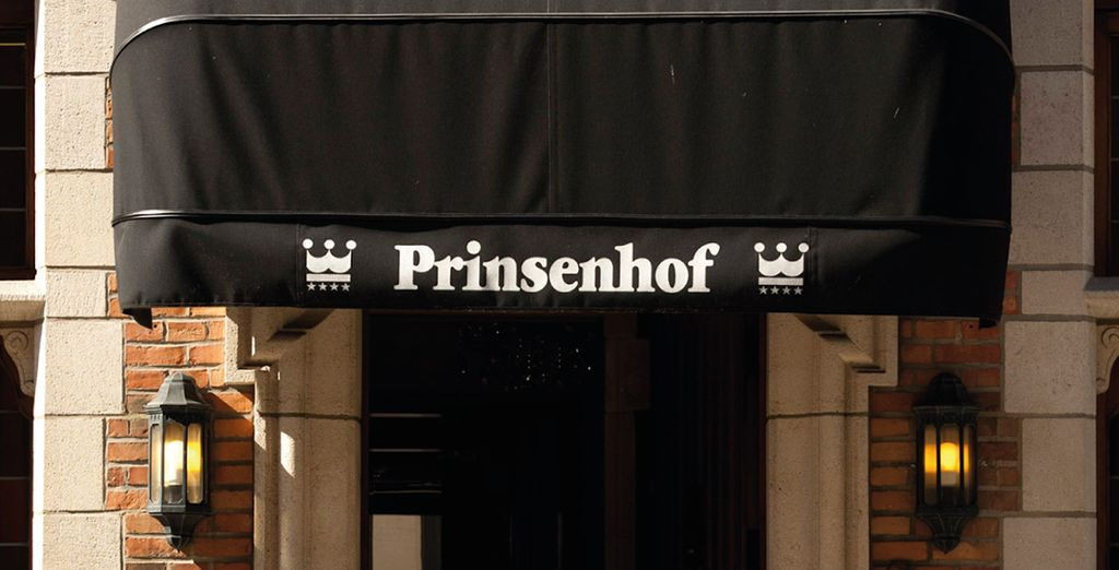 Stay at the centrally located Hotel Prinsenhof