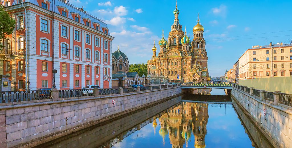 You are ideally located to visit the artistic and cultural landmarks of St. Petersburg