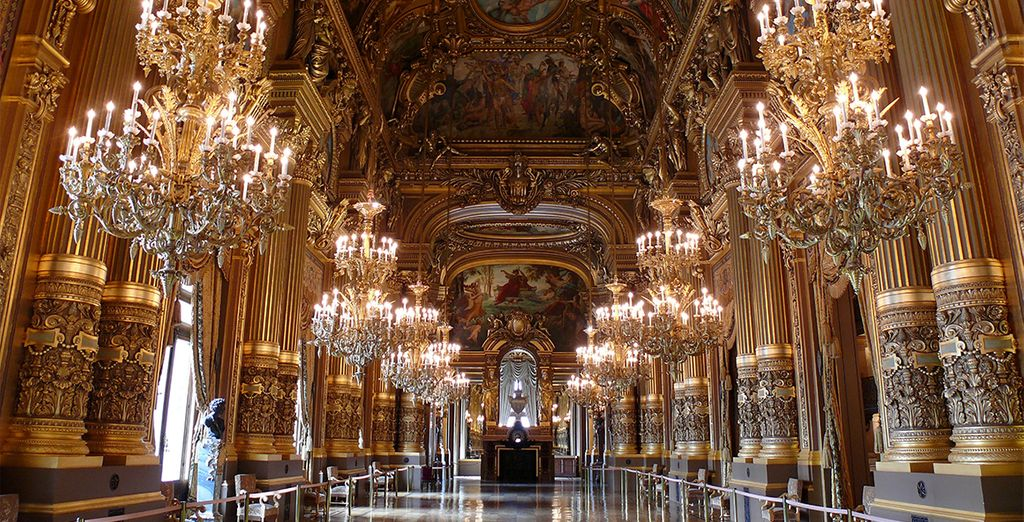 Your hotel is within easy reach of spectacular sights, such as the Garnier Opera