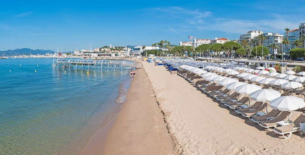 A stone's throw from the Croisette beaches