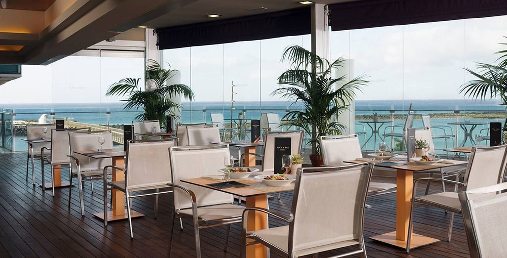Try some delicious dishes at the pool bar